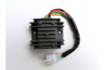 Regulátor napětí:   1 zásuvka, 5 pinů   rozteč šroubů 55 mm   Porovnejte s obrázkem !!!!